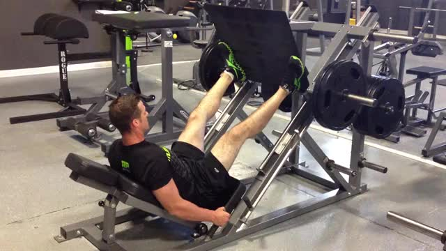 Wide-stance Leg Press demonstration