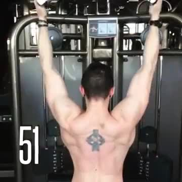 Cable Pulldown (pro lat bar) demonstration