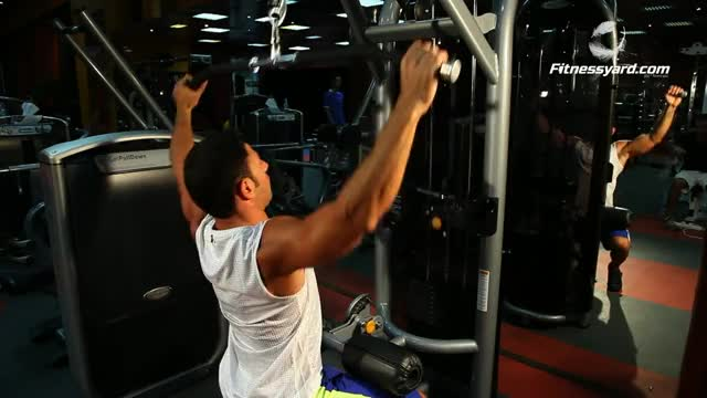 Male Cable Pulldown demonstration