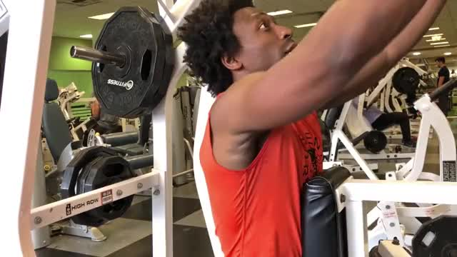 Male Leverage High Row demonstration