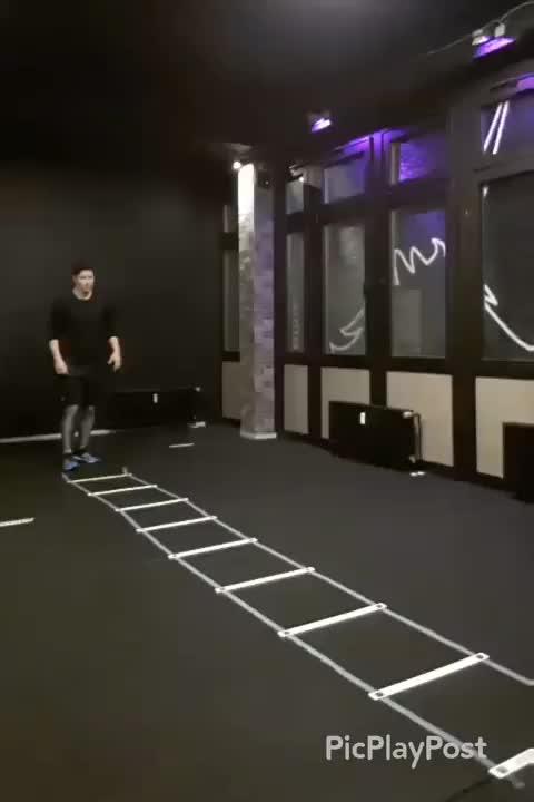 Single Leg Forward Hops demonstration