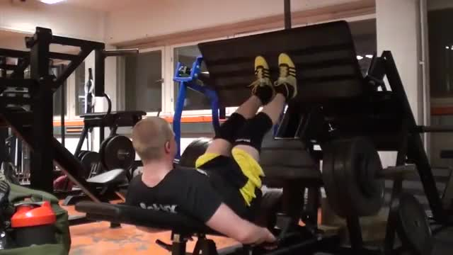 Lever 45 Degree Leg Press (plate loaded) demonstration