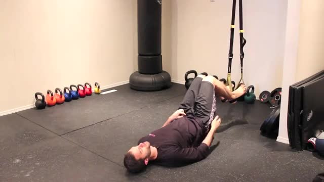 Male Hip Extension Suspension Exercise demonstration