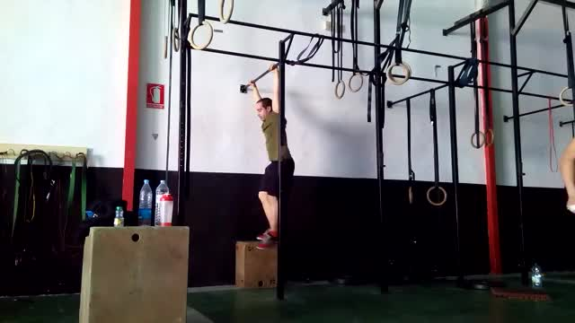 Male Butterfly Pull-up demonstration