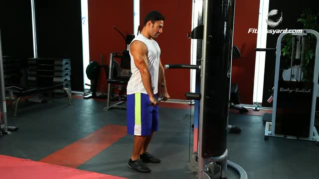Straight Bar Tricep Extension demonstration
