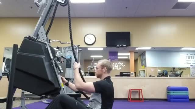 Male Rope Machine Seated Pull demonstration