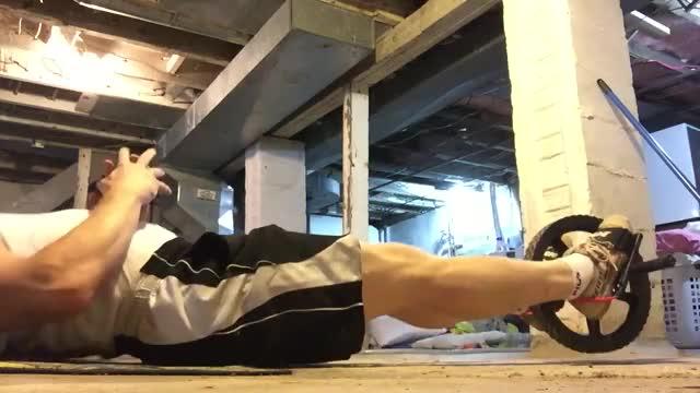 Leg Curl (on power wheel) demonstration