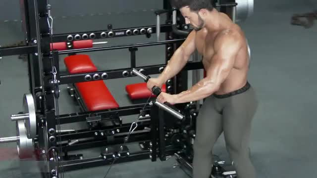 Male Lever Roller Wrist Extension demonstration