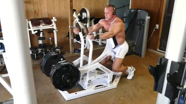 Male Lever Underhand Seated Row (plate loaded) demonstration