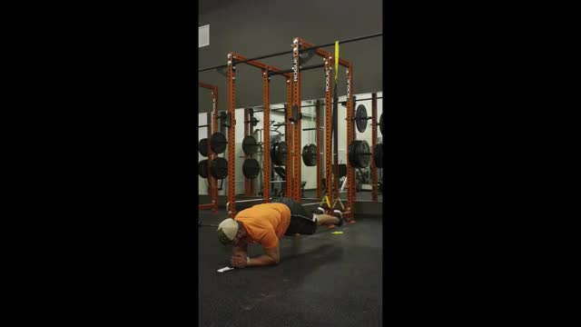TRX Plank with Abduction demonstration