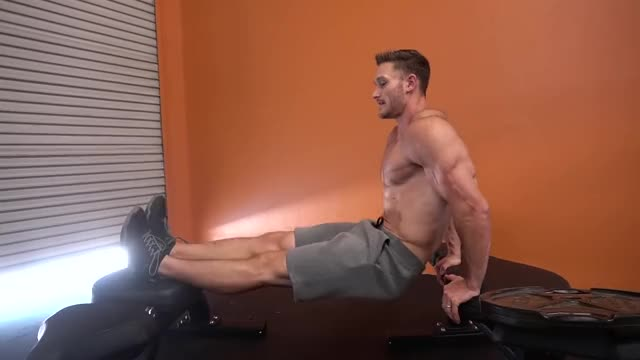 Triceps Dip (bent knees between benches) demonstration