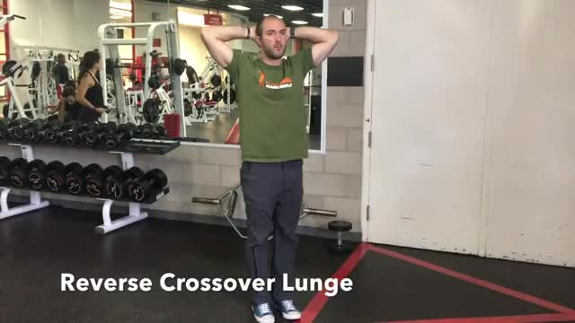 Crossover Reverse Lunge demonstration