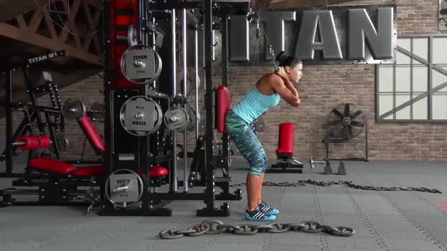 Cable Standing Crunch demonstration