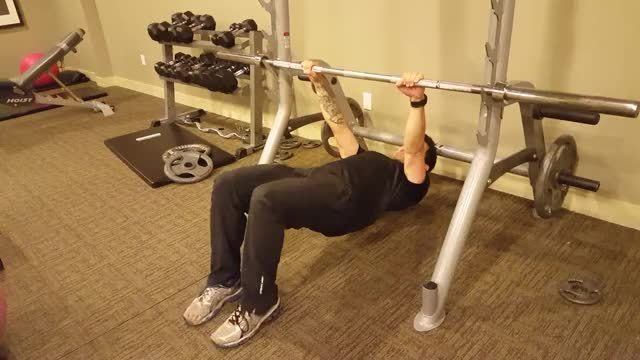 Male Modified Inverted Row demonstration