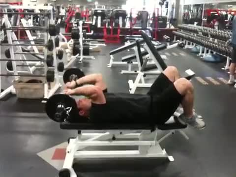 Lying Triceps Press demonstration
