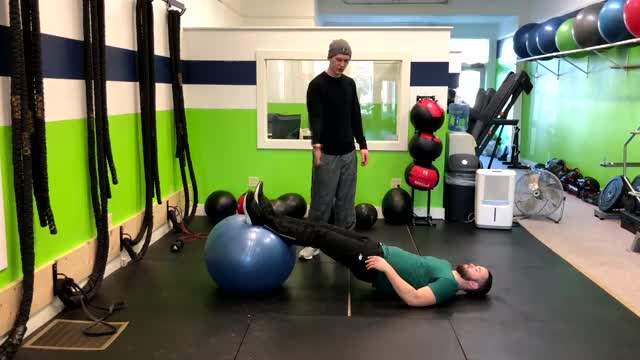 Leg Curl (on stability ball) demonstration
