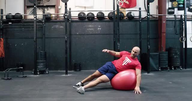 Swiss Ball Side Crunch demonstration
