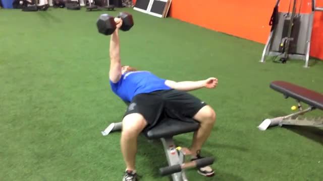 Single-Arm Dumbbell Bench Press demonstration