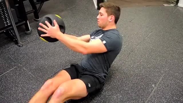 Medicine Ball Russian Twist demonstration