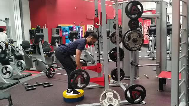 Male Deadstop Rack Row demonstration