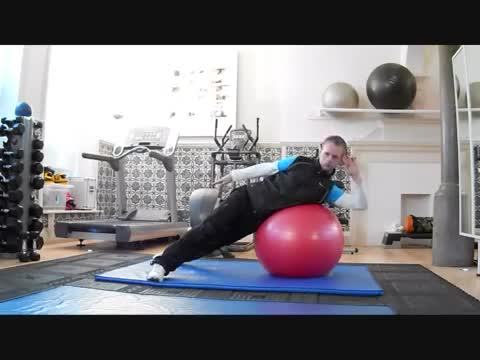 Male Side Crunch (on stability ball) demonstration