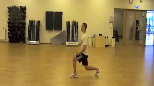 Lunge Heel Kick demonstration