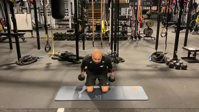 Tall Kneeling Clean to Forward Lunge demonstration