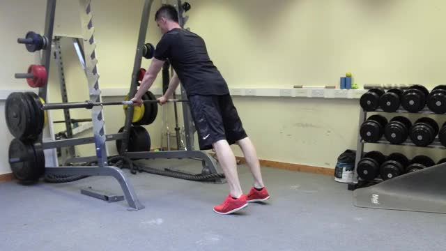 Male Close Grip Incline Push-up (on bar) demonstration