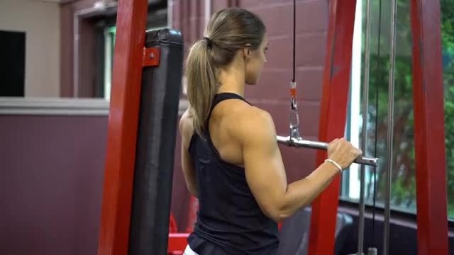 Female Cable Tricep Extension demonstration