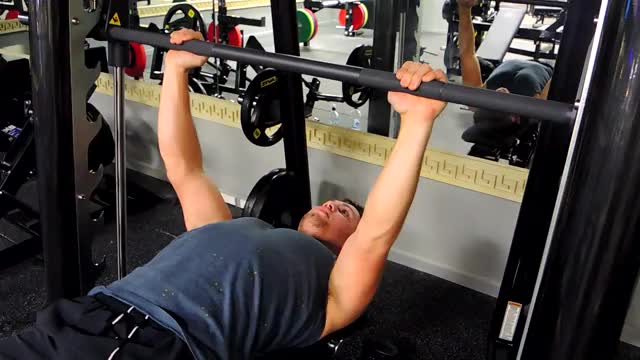 Smith Bench Press demonstration