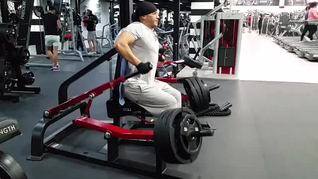 Lever Triceps Dip (plate loaded) demonstration