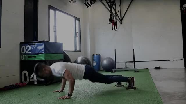 Push Up to Knee Tuck demonstration