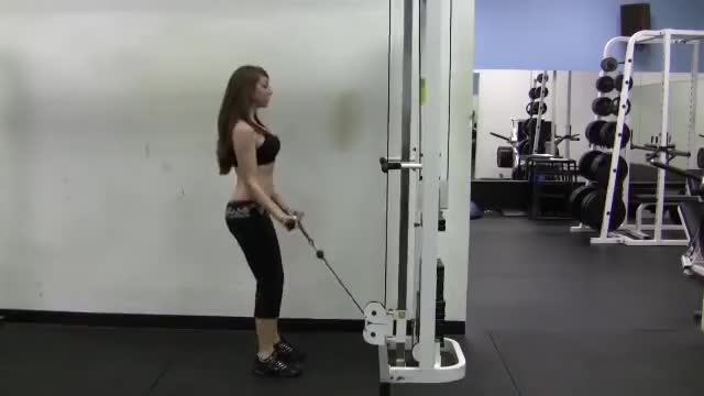 Female Close Grip Cable Curl demonstration