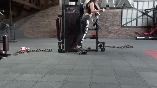 Lever Alternating Calf Extension demonstration