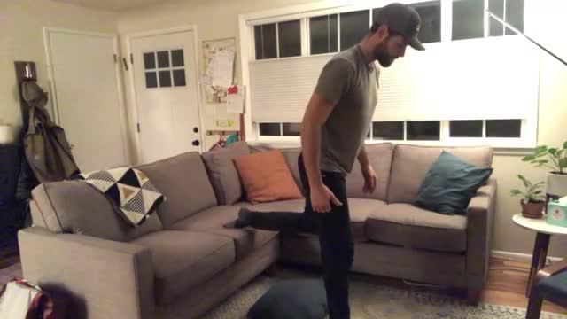Bulgarian Split Squat on Couch demonstration