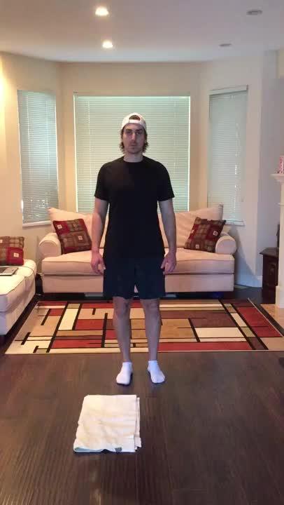 Towel Skater Lunge demonstration