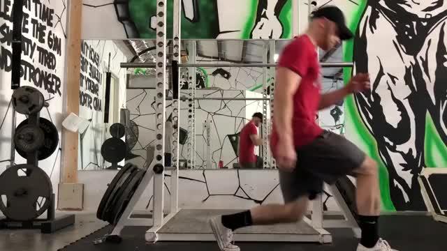 Bodyweight Forward and Backward Lunge demonstration