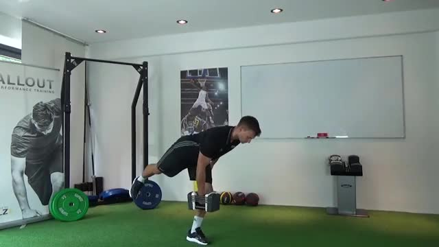 One-Legged Dumbbell Row demonstration