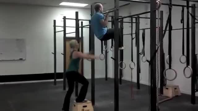 Male Partner-assisted Pull-up demonstration