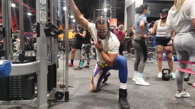 Male Cable Concentration Tricep Extension demonstration