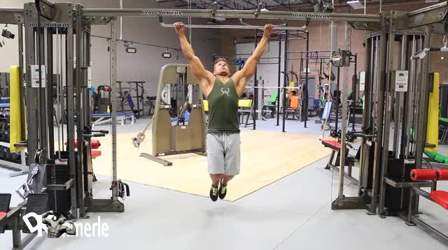 Wide-Grip Pullup demonstration
