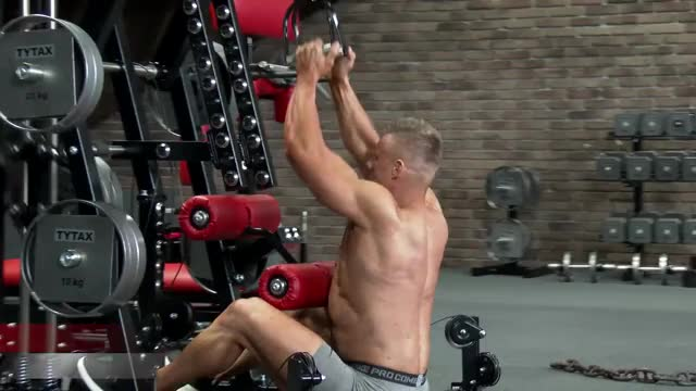 Male Cable Close Grip Pulldown (stirrups) demonstration